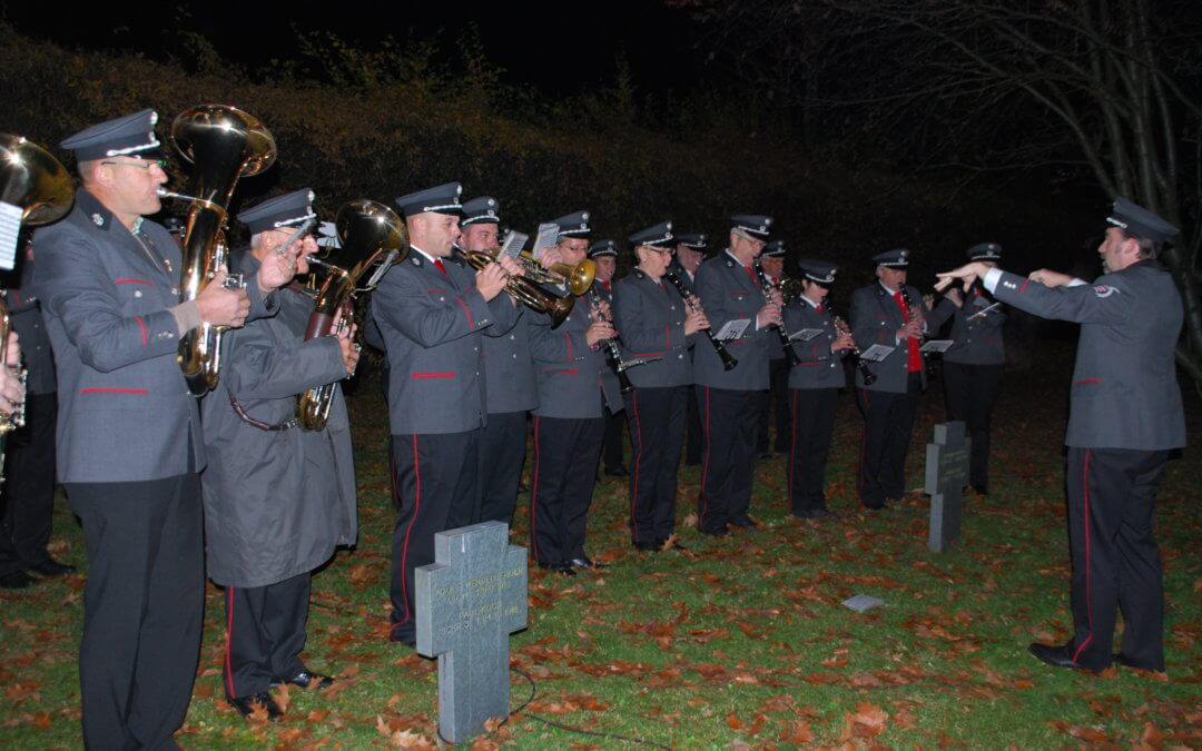 Heldenehrung am Soldatenfriedhof